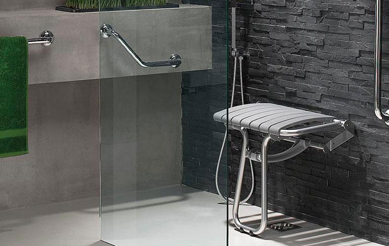 salle-de-bains-pmr-douche-790x500